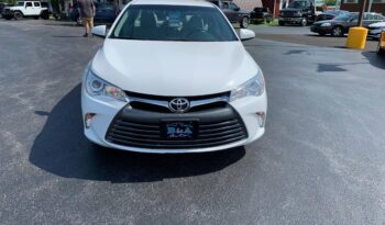 2017 Toyota Camry LE full